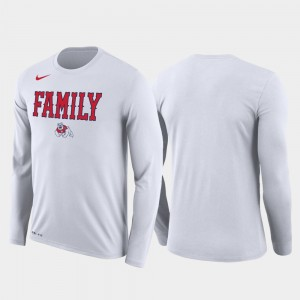 Fresno State Bulldogs T-Shirt March Madness Basketball Performance Long Sleeve White Men Family on Court