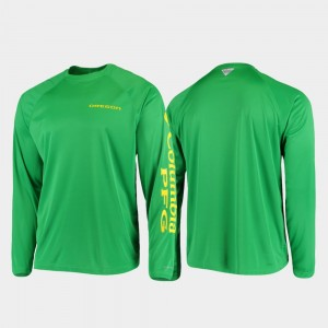 Oregon Ducks T-Shirt Men Omni-Shade Green PFG Terminal Tackle Long Sleeve
