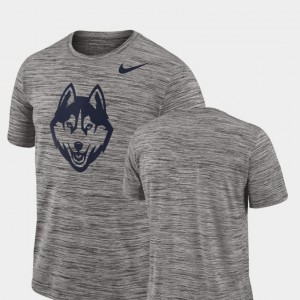 UConn Huskies T-Shirt Charcoal Men Performance 2018 Player Travel Legend